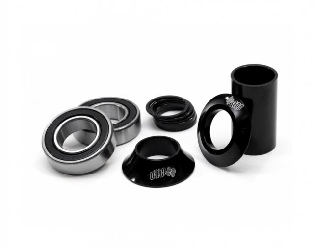 United Supreme Mid Bottom Bracket